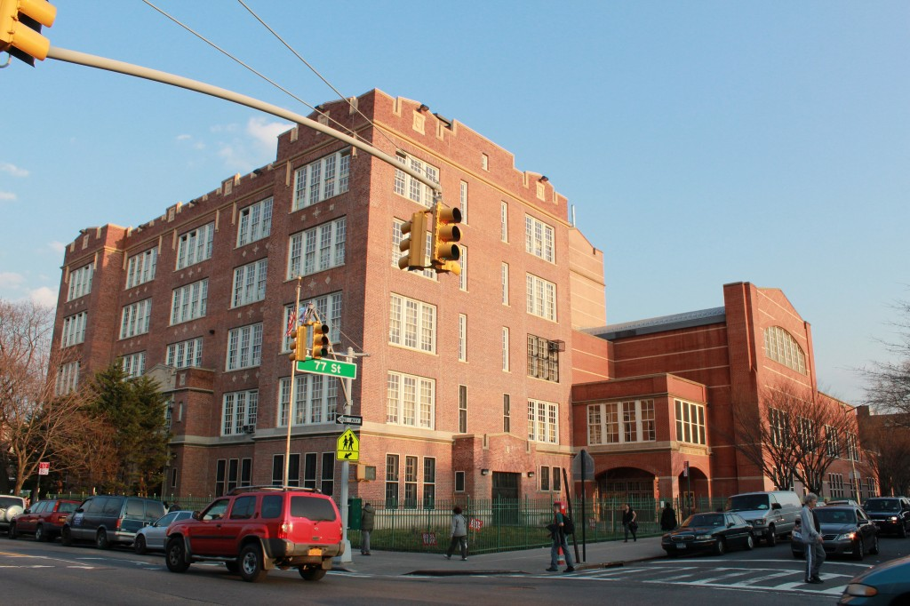 """PS69 77-02 37th Ave 11/15/14 – PS69 at 77-02 37th Ave, Jackson Heights, NY 11372. – Daffodil bulb planting"""" JHBG"""""""